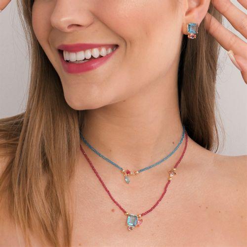 Gargantilha-Marsala-Cristal-Navete-Rosa-e-Lilas-Retangular-Azul-Detalhes-em-Banho-de-Ouro